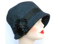 Cloche Hat - Melton Wool / Velvet Flower