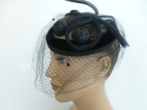 908a744dbb76d Vintage 1950 s Velvet Fascinator Hat   That Way Hat. New