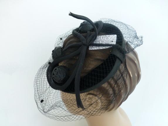 21ad9b5cc9caa Vintage 1950 s Velvet Fascinator Hat  Vintage 1950 s Velvet Fascinator Hat  ...