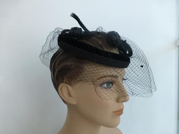 3bd2d866fea Vintage 1950 s Velvet Fascinator Hat   That Way Hat. New