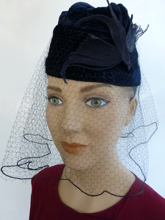 Vintage 1940 s Navy Velvet Fascinator Hat   That Way Hat. New 779c33d1969