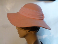 Vintage Early 1960's Pink Felt Hat